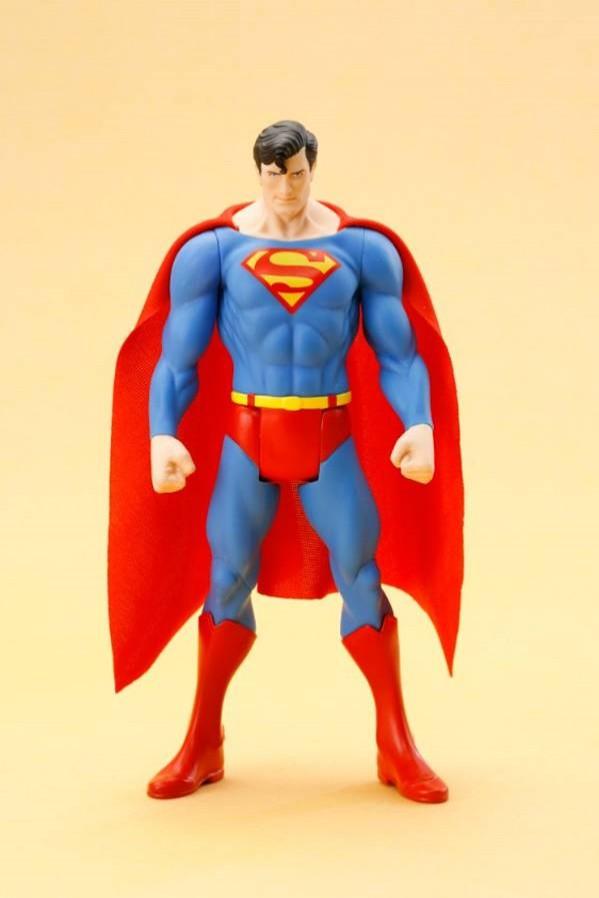 DC Statue Artfx Superman Classic Costume
